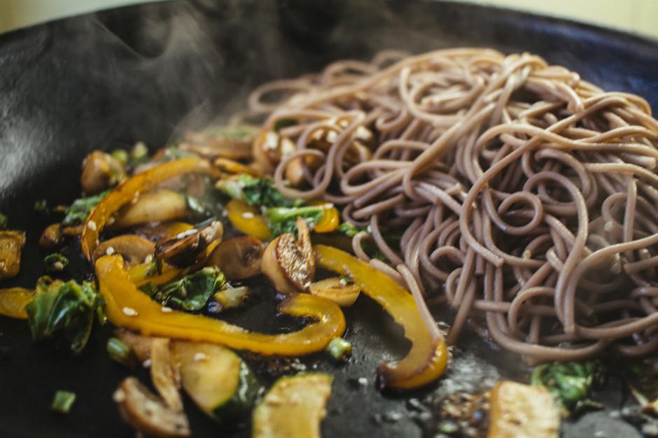 Гречневая лапша с азиатским соусом