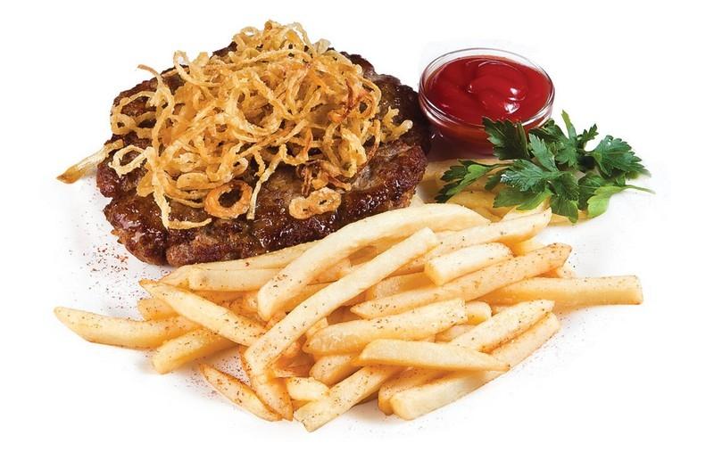 Рубленый бифштекс с жаренным луком фото