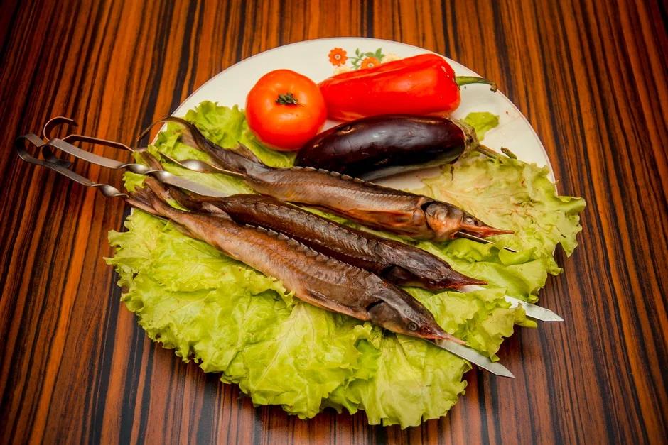 Шашлык из рыбы на шампурах