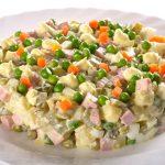 Классический салат оливье